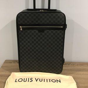 Authentic Louis Vuitton pegase 55 graphite carryon
